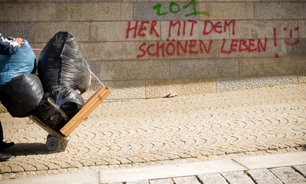 Armutsquote von Alleinerziehenden, Erwerbslosen und Rentnern rasant gestiegen