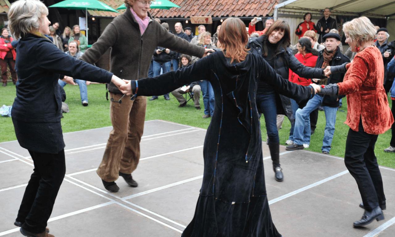 Bal Folk und Tänze aus aller Welt – Mitmachabende
